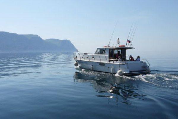 Морская рыбалка с катера (днем)